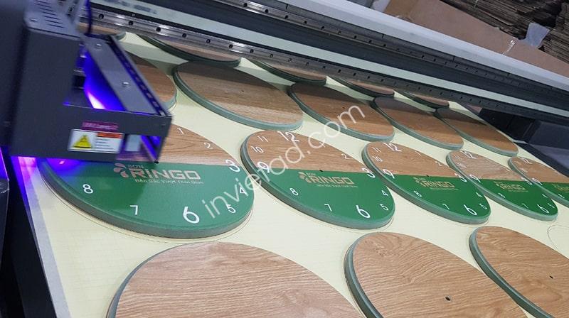 In UV trên gỗ trên máy in phẳng